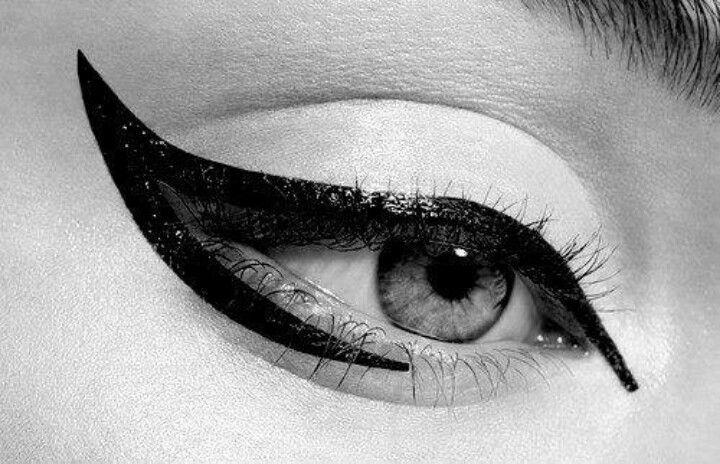 makeup winged eyeliner