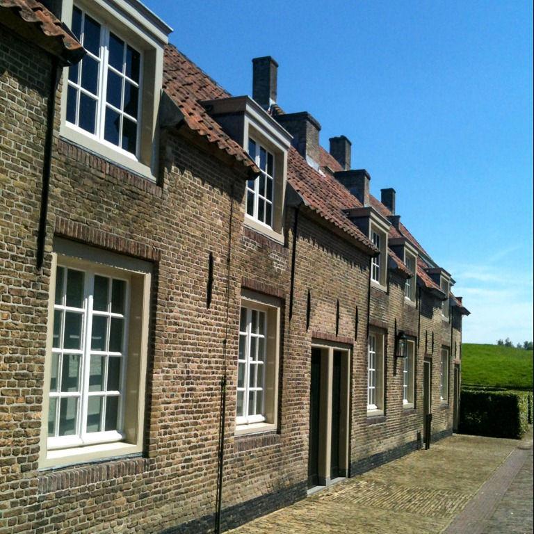 Huisjes rondom het slot