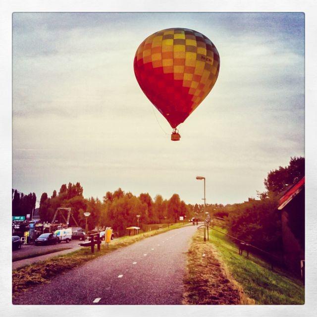 Luchtballon boven Sleeuwijk