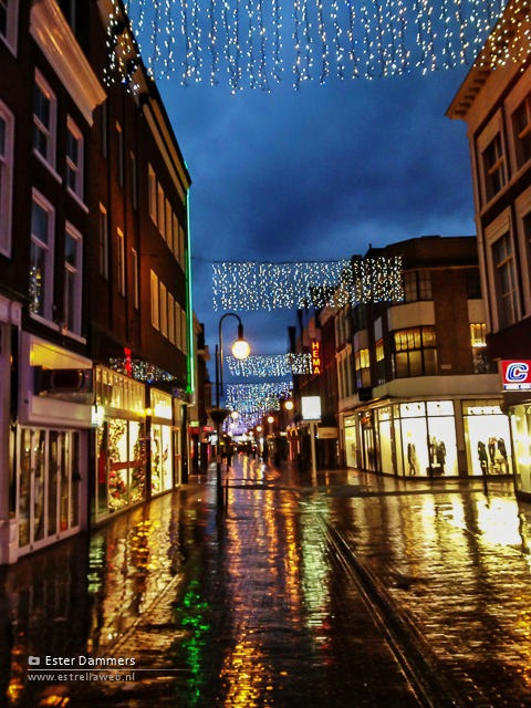Feestverlichting in de stad