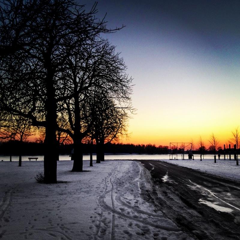 Sneeuw en zonsondergang