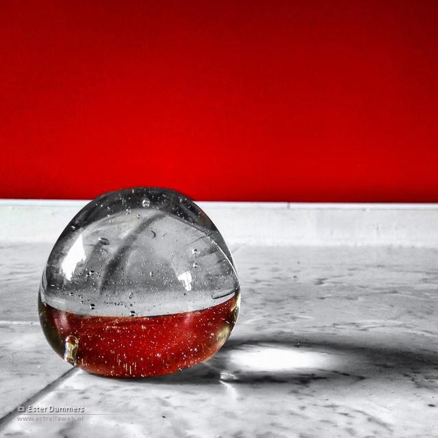 Spelen met een glazen bol