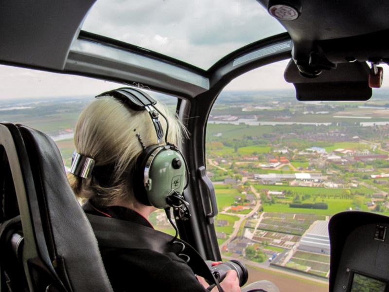 Vliegen in een helicopter