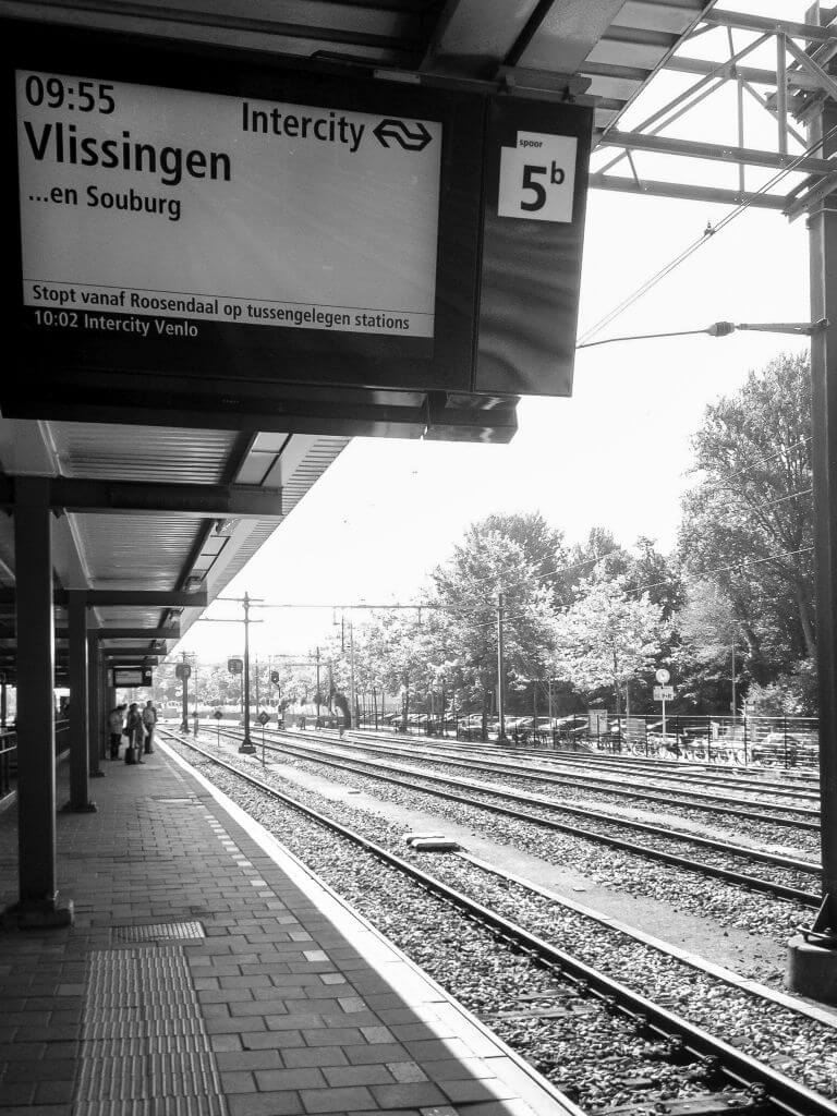 Station in zwart-wit