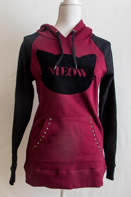 zwart / rode hoodie met print