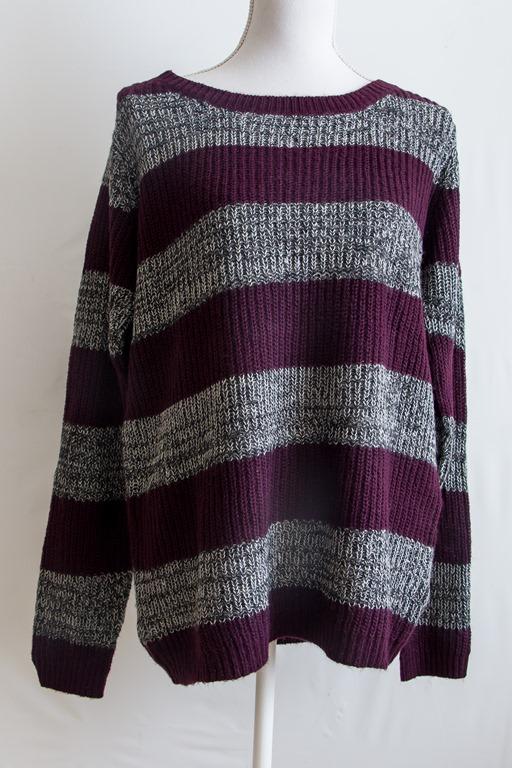 Paars met grijs gestreepte trui