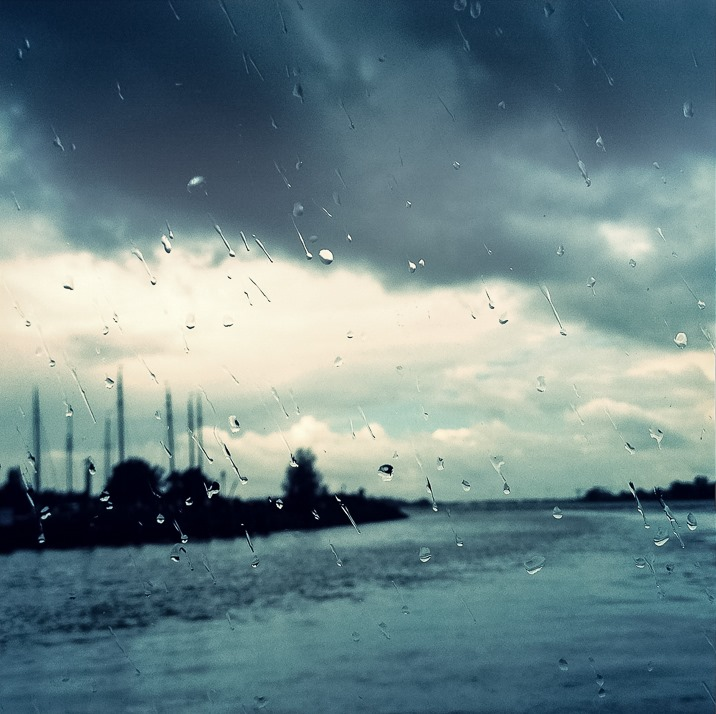 Woudrichem in de regen