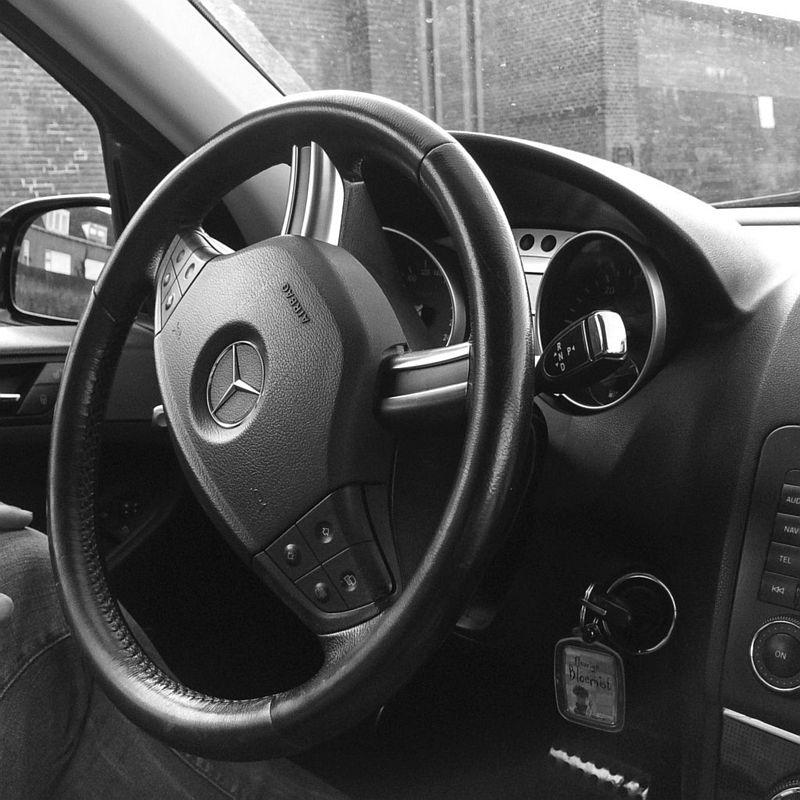 Stuur van de auto van m'n vader