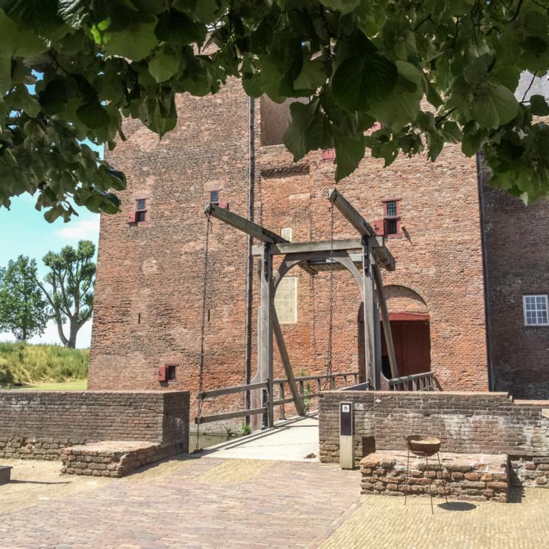 Ophaalbrug van Slot Loevestein