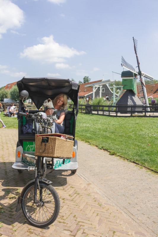 Samen met Bas in de fietstaxi