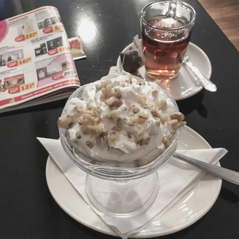 Yoghurt met walnoten