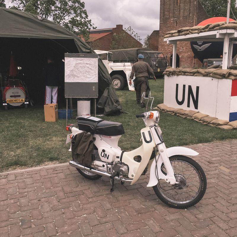 Militaire voertuigen op Aelse Dag