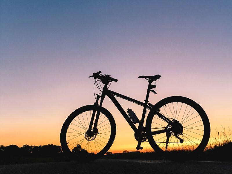 Mijn fiets in silhouet