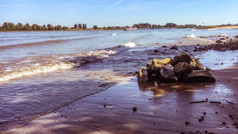 Strand en stenen
