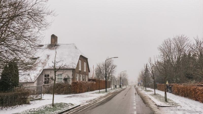 Veldstraat in de winter, Wijk en Aalburg