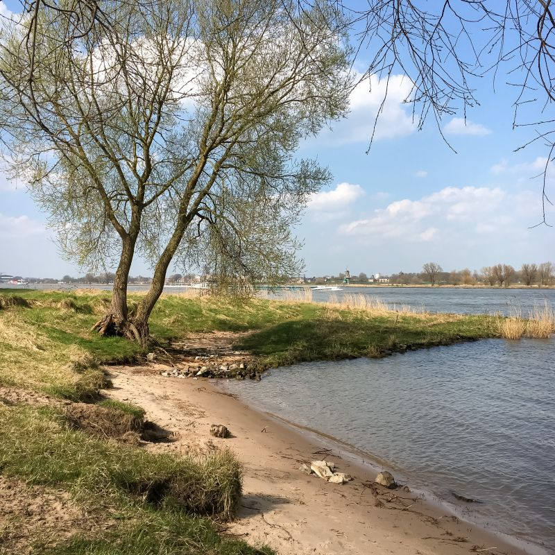 Strandje bij Woudrichem
