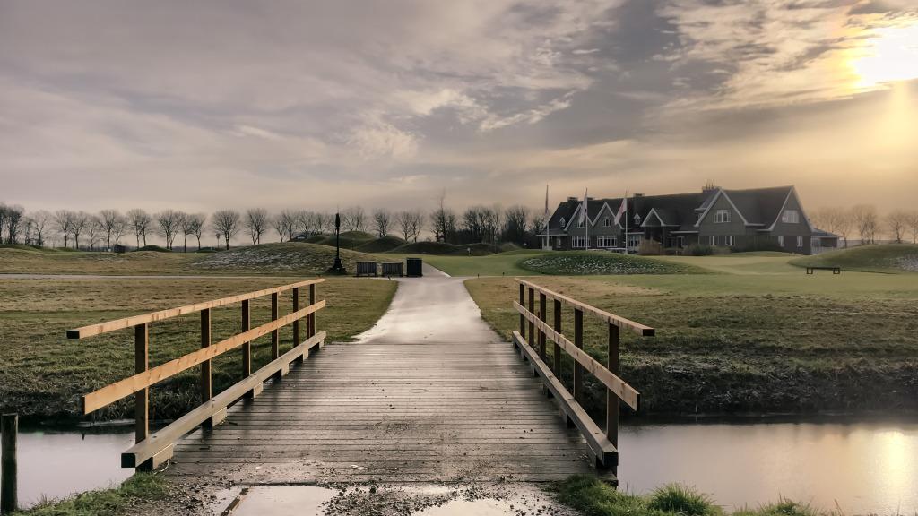 Bruggetje bij de golfbaan