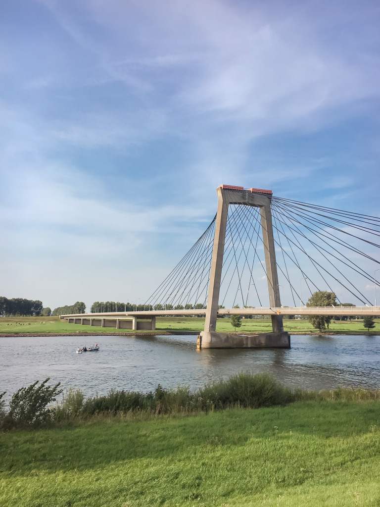 Martinus Nijhoff-brug bij Zaltbommel