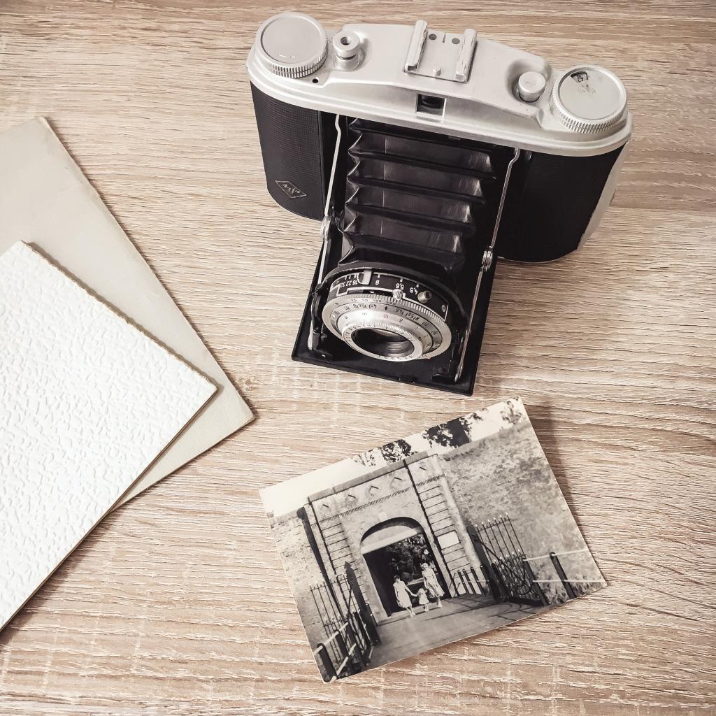 Vintage camera en oude foto's