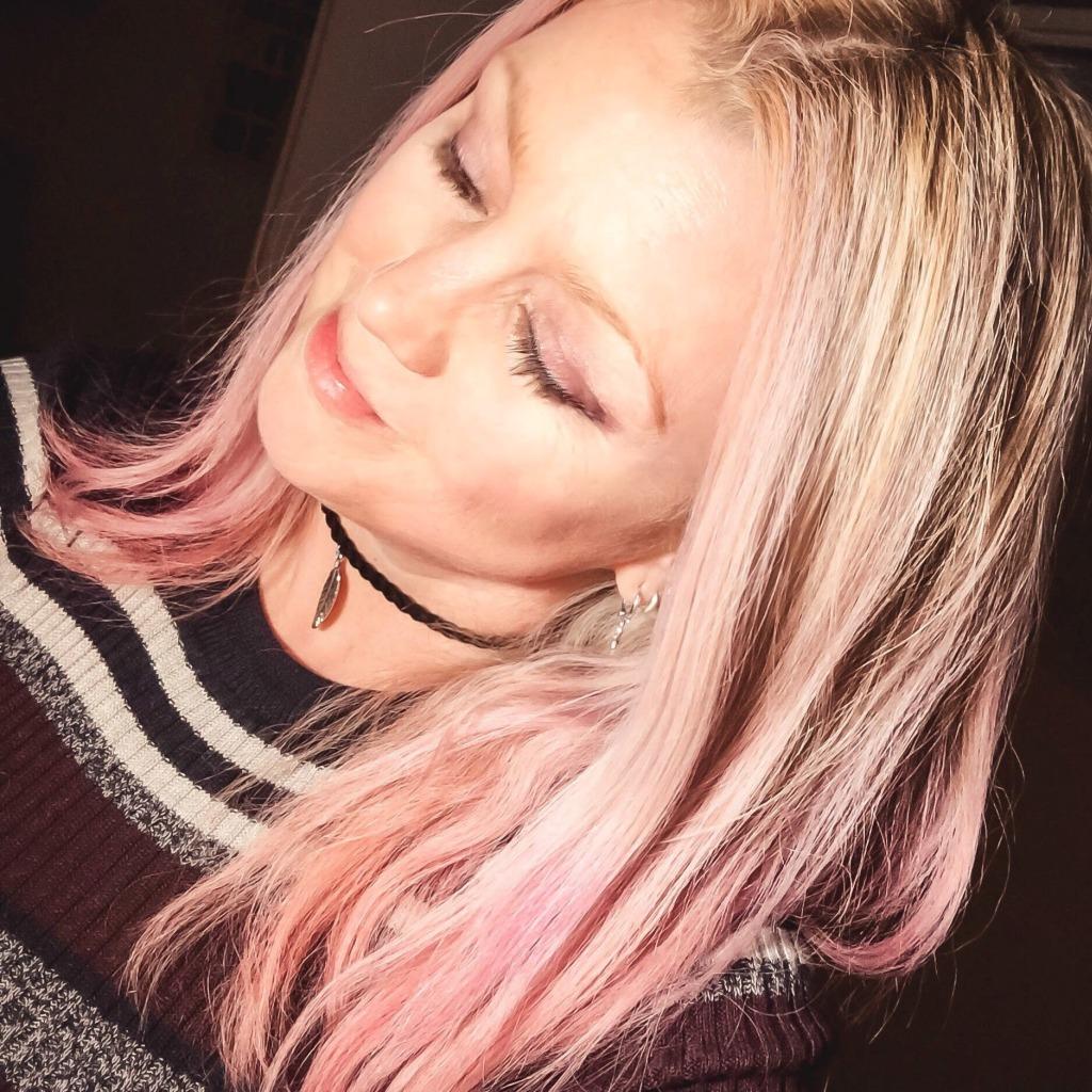Selfie met roze haar