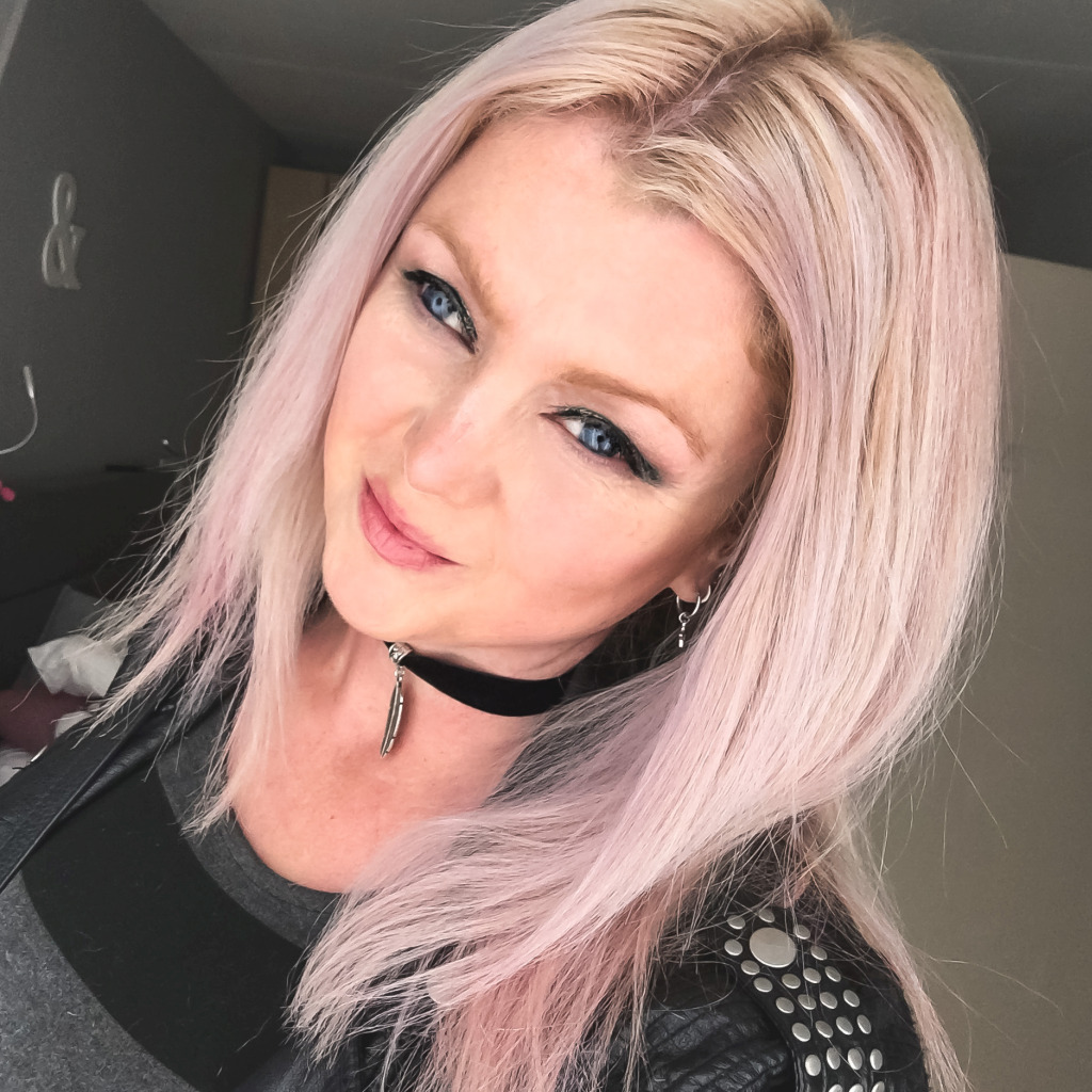 Selfie met pastelkrijt in m'n haar