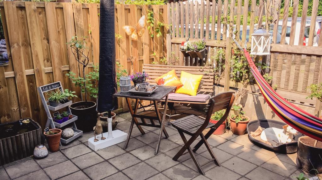 Bistrosetje in de tuin