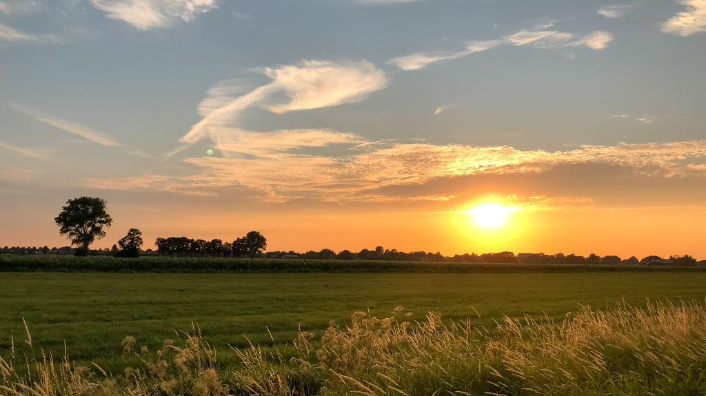 Zonsondergang in de polder
