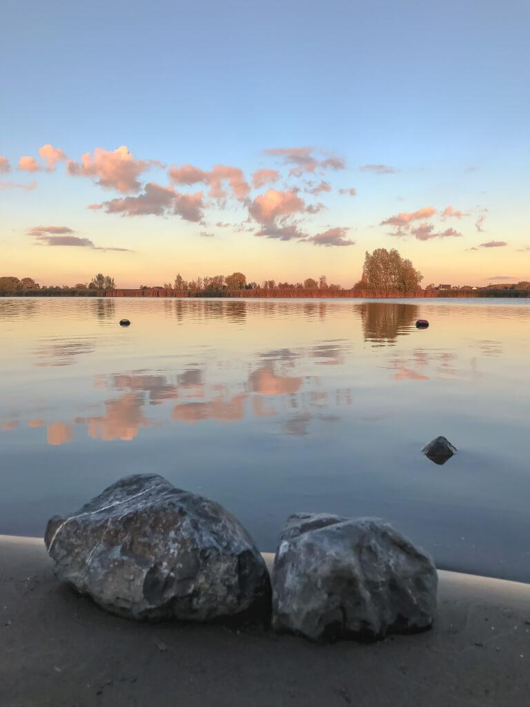 Stenen aan de Maas in Andel