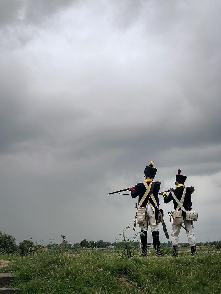 Soldaten bij Slot Loevestein
