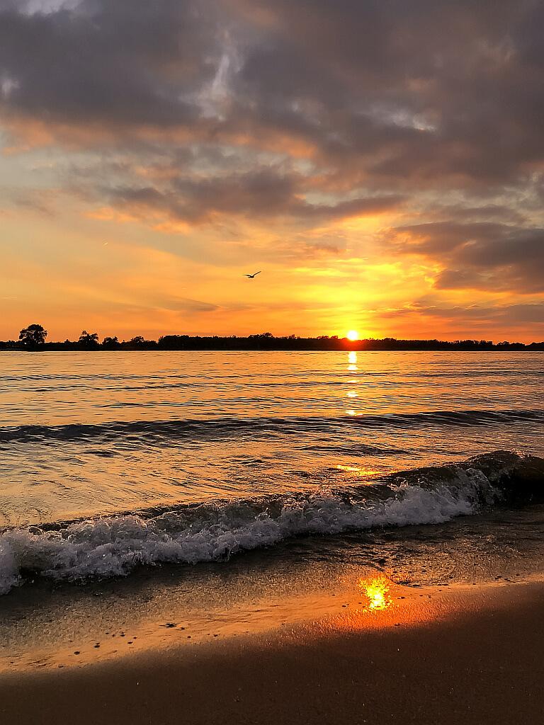 Felgekleurde zonsondergang