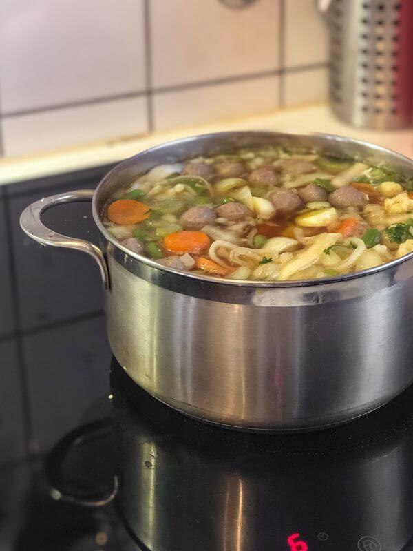 Zelfgemaakte groentesoep