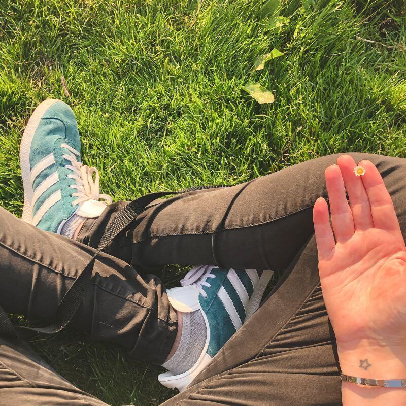 Mediteren in het gras