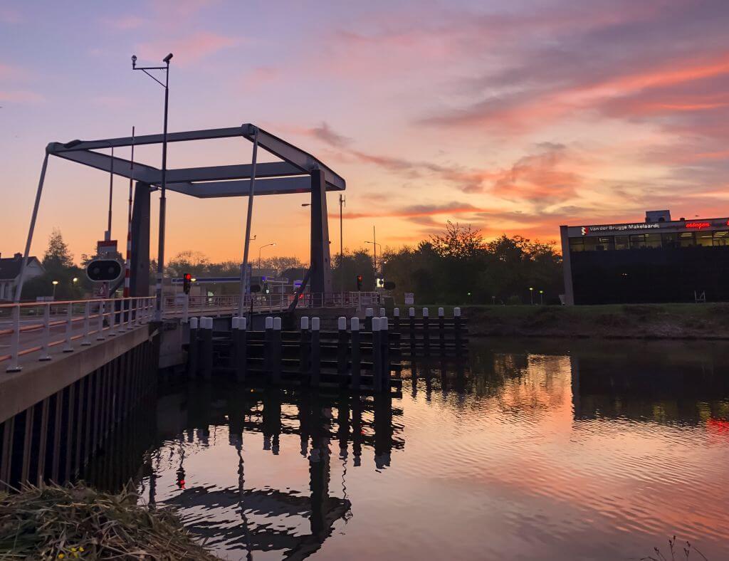 Concordiabrug bij zonsopgang