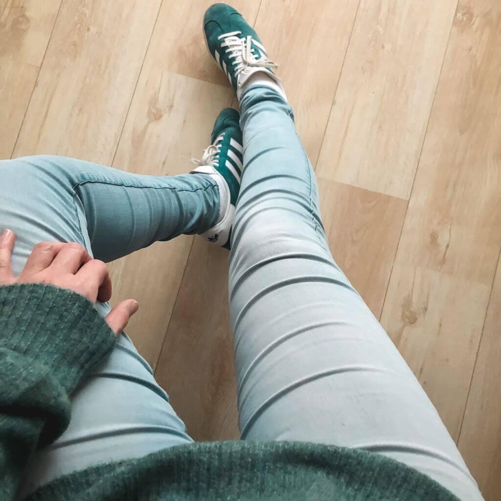 Matching trui en schoenen