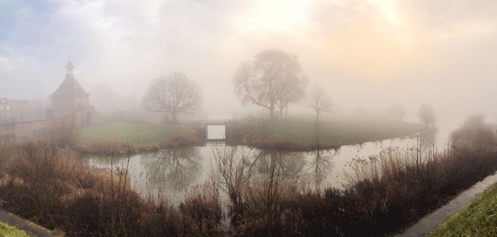 Dalempoort in de mist