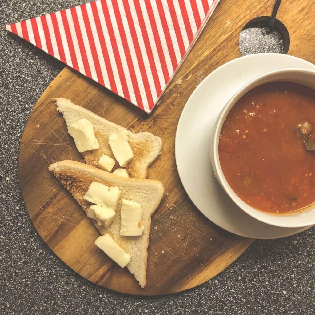Tomatensoep en toast
