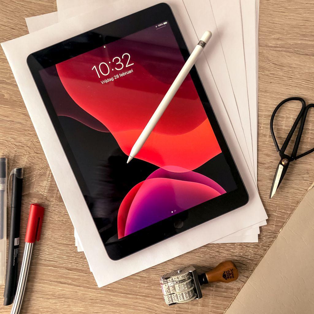 iPad 2010 met Apple Pencil