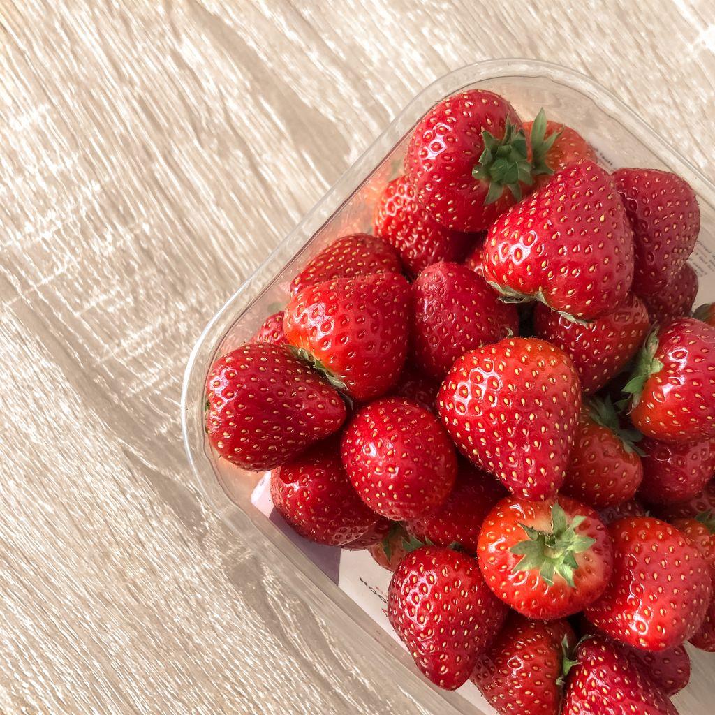 Eerste aardbeien van het jaar