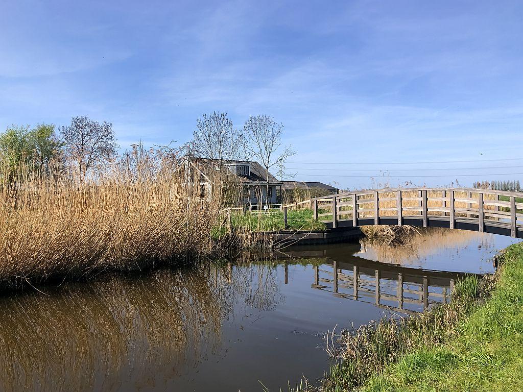 Schelluinse vliet en een bruggetje