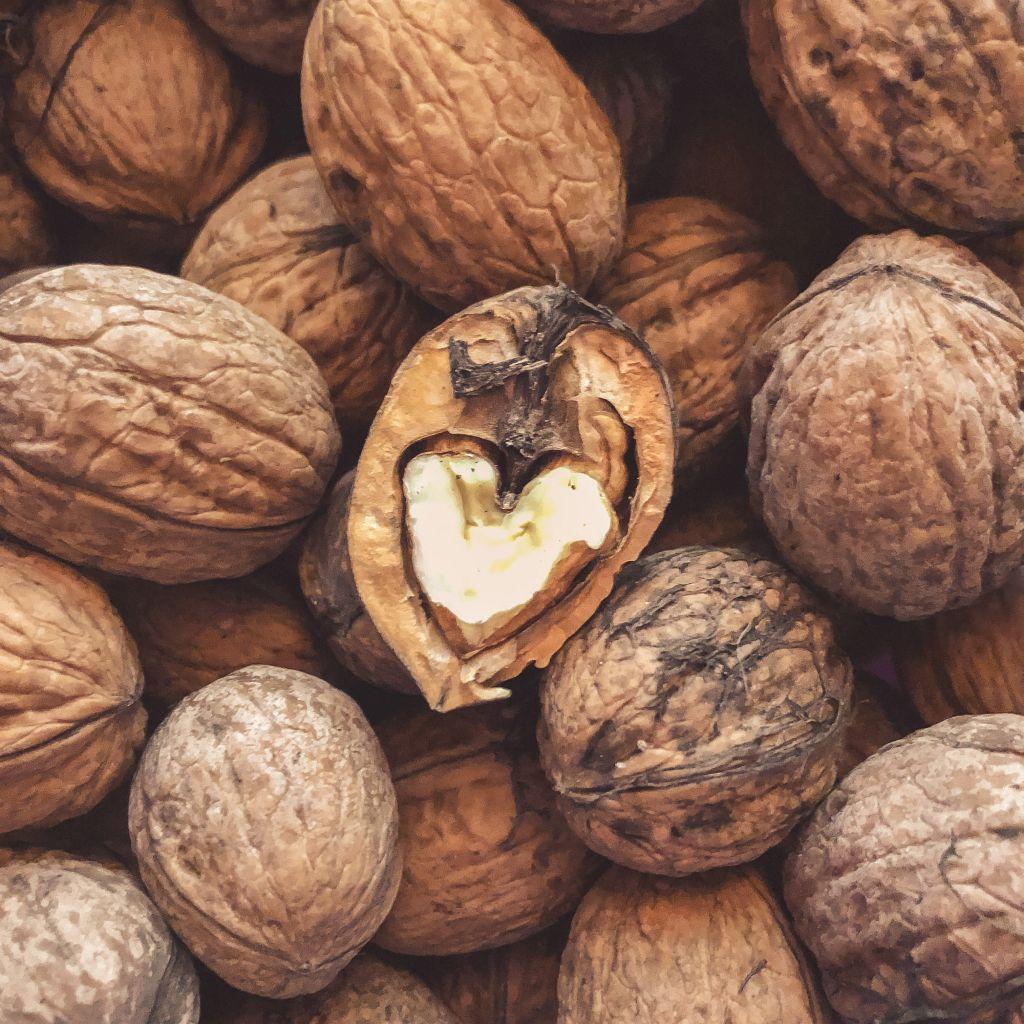 Een hartje in een walnoot