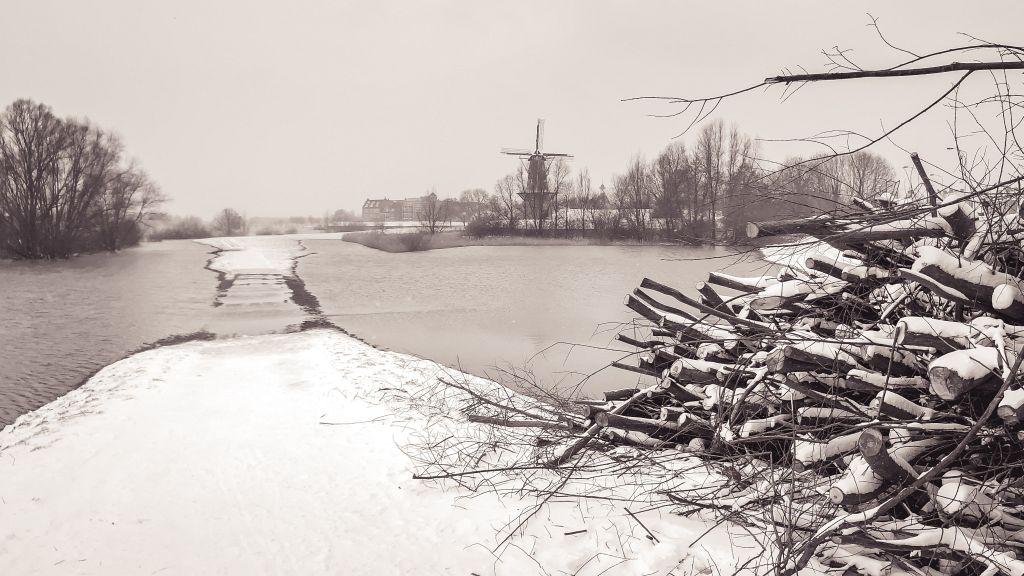Hoogwater en sneeuw