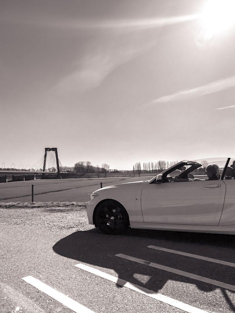 BMW in zwart-wit