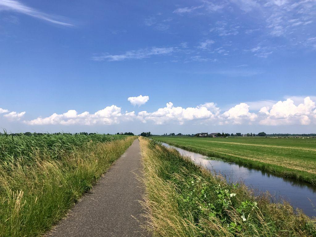 Fietspad tussen Giessenburg en Otoland