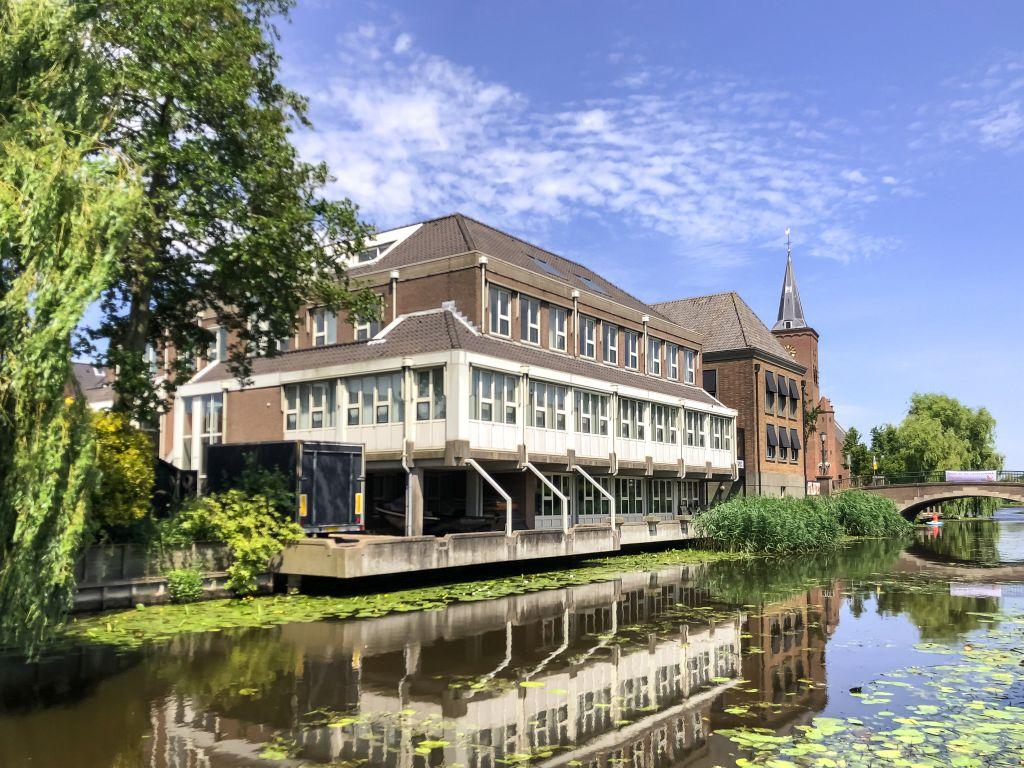 Voormalig gemeentehuis, Bleskensgraaf